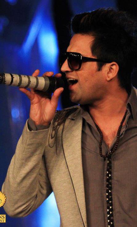 Saajna 'OST' I, Me Aur Main  - Falak Shabir